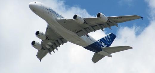 aircraft-86453_640